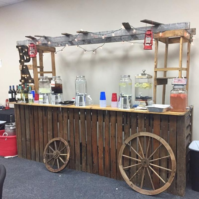 Rusticbar4_drinkdispencers_wagonwheels